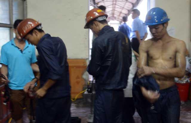 Quảng Ninh vẫn mưa lớn, ngập 3km đường lò than - 4