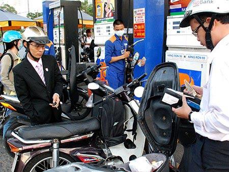Giá xăng tiếp tục giảm từ 15h chiều nay - 1