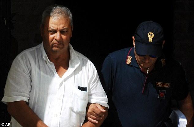 """Ý: Bắt nhóm mafia chuyên sử dụng """"mật mã cừu"""" - 1"""