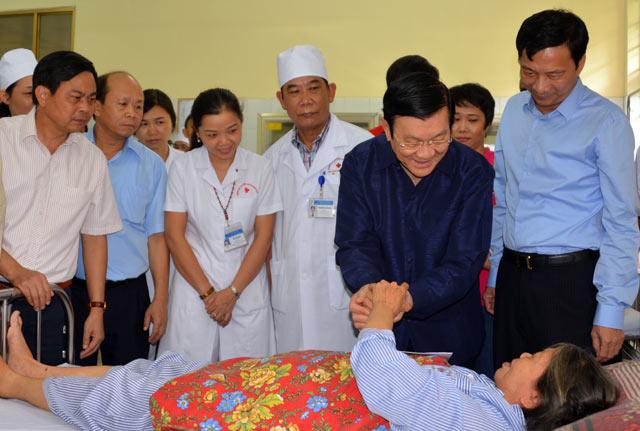 Chủ tịch nước thăm nạn nhân trong trận lũ lịch sử ở Quảng Ninh - 2