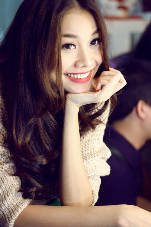 Nụ cười đốn gục triệu người của mỹ nhân Việt - 10