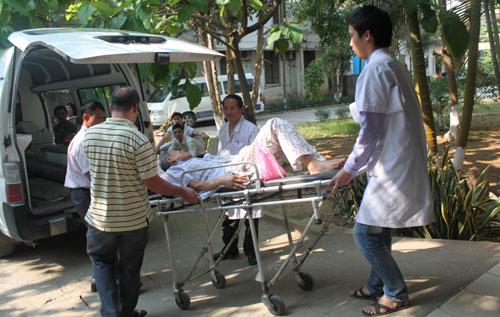 Hà Nội: Người mắc bệnh nặng sẽ không cần giấy chuyển viện - 1