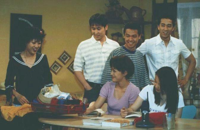 """""""Người tình"""" từ 19 đến 44 tuổi của Song Seung Heon - 2"""