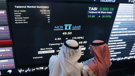 Đại gia dầu mỏ Ả Rập Saudi phải đi vay tiền - 1