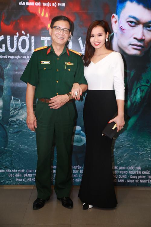 Lã Thanh Huyền xinh đẹp bên mẹ - 6
