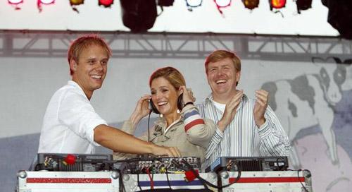 Điểm danh dàn DJ nổi tiếng thế giới đến Việt Nam - 6