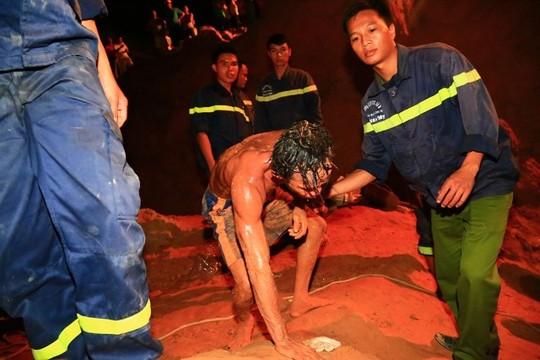 Thưởng 10 triệu đồng cho thợ đào giếng cứu bé gái - 1