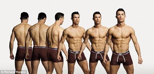 Cristiano Ronaldo làm người mẫu mặc nội y tự thiết kế - 4