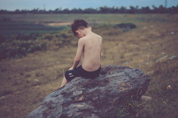 """Bộ ảnh """"Đứa trẻ vô gia cư"""" lay động cộng đồng mạng - 11"""