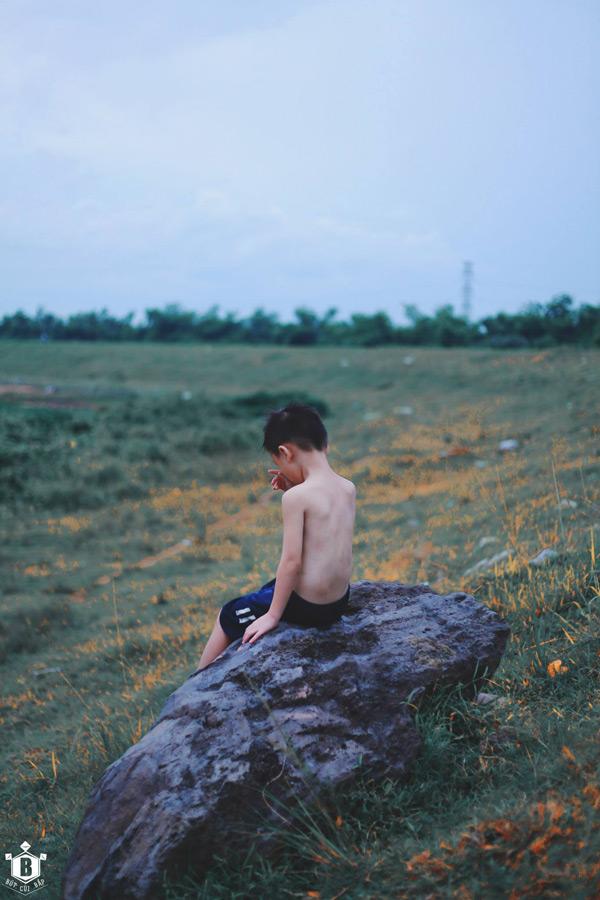 """Bộ ảnh """"Đứa trẻ vô gia cư"""" lay động cộng đồng mạng - 8"""