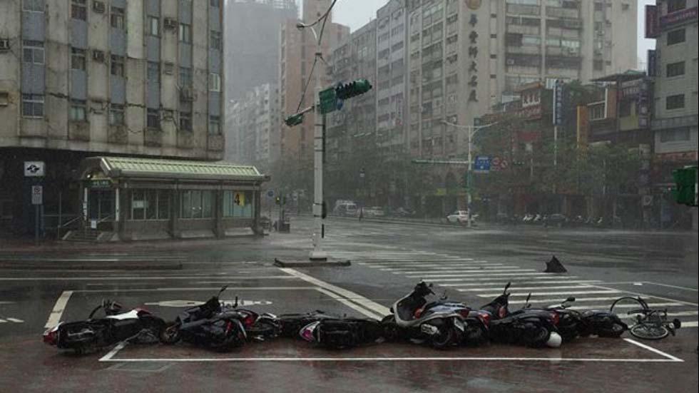 Toàn cảnh siêu bão mạnh nhất 2015 tàn phá Đài Loan - 2