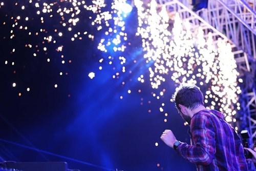 """Hơn 5.000 khán giả """"quẩy"""" hết mình cùng DJ Zedd - 12"""