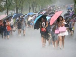 """Đài Loan """"oằn mình"""" trong siêu bão mạnh nhất 2015"""