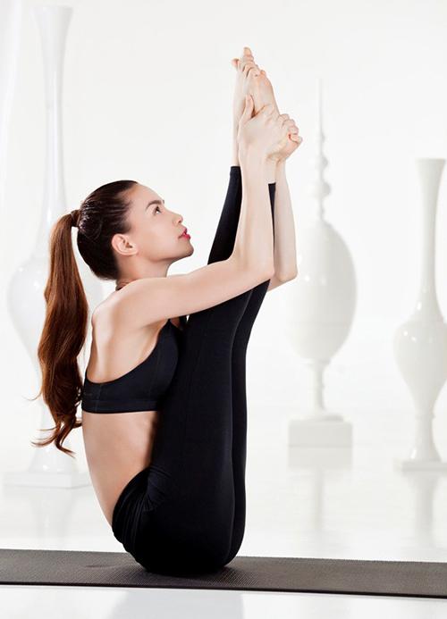 Hồ Ngọc Hà điêu luyện tập yoga khoe dáng đẹp mỹ miều - 5