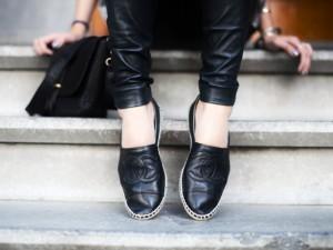 Chế giày chục triệu của Chanel bằng thao tác đơn giản