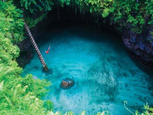 Thẫn thờ trước 12 hồ bơi tự nhiên đẹp nhất thế giới