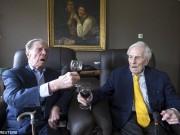 Hai cụ ông hơn trăm tuổi: Không theo đuổi phụ nữ để sống thọ