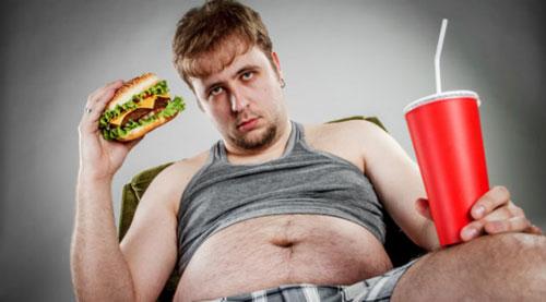Thường xuyên ăn đồ ăn nhanh sẽ khiến bạn vừa yếu lại thừa cân