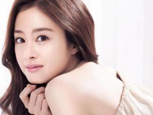 Kim Tae Hee sở hữu gương mặt đẹp nhất năm 2015