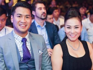 Thu Minh quyến rũ sánh đôi bên em chồng Hà Tăng