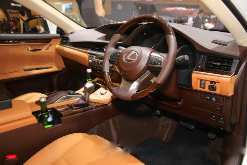 Mê mẩn mẫu Lexus ES300h 2016 giá 2,2 tỷ đồng - 5