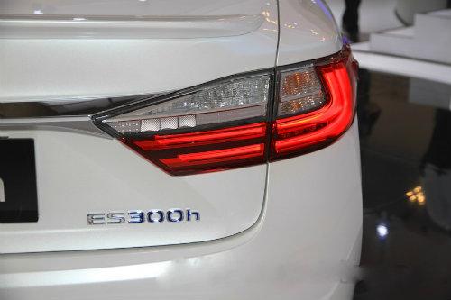Mê mẩn mẫu Lexus ES300h 2016 giá 2,2 tỷ đồng - 8