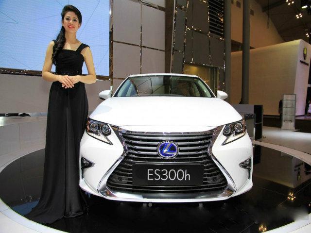 Mê mẩn mẫu Lexus ES300h 2016 giá 2,2 tỷ đồng