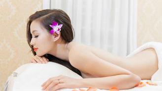 Video Tâm Tít, Phương Trinh gợi cảm trong bồn tắm