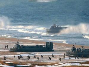 Triều Tiên điều 20 tàu đổ bộ tiến sát biên giới liên Triều