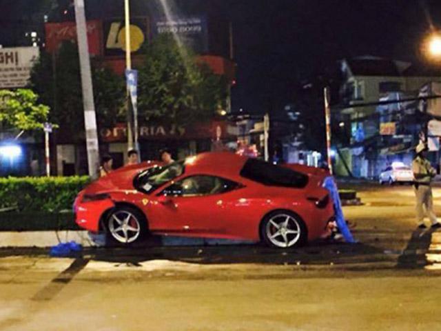 "Ferrari 458 Italia ""tử nạn"" tại Việt Nam"