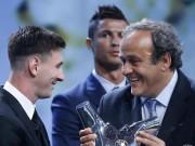 Chiến thắng của Messi và ánh mắt Ronaldo