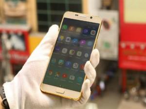 Hút mắt với mẫu Galaxy Note 5 mạ vàng giá 32,6 triệu đồng
