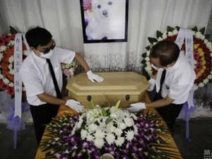 """Chó """"từ trần"""" được tổ chức tang lễ siêu sang trọng"""