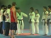 Màn so tài độc đáo giữa taekwondo và hiphop