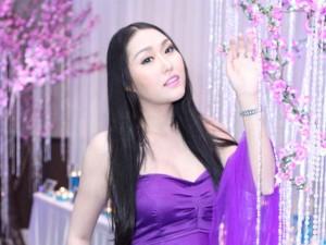 Phi Thanh Vân bầu 3 tháng vẫn thi hát