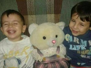Khoảnh khắc bé trai Syria chết đuối qua lời kể người cha