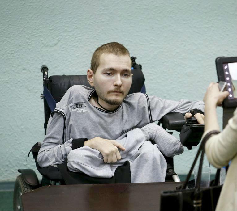 Valarey Spiridonov tình nguyện tham gia ca phẫu thuật cấy ghép đầu.