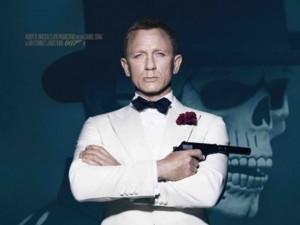 """James Bond điển trai """"hút hồn"""" trên poster chính thức 007"""