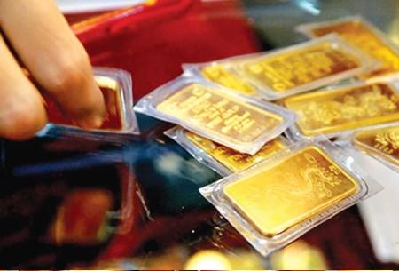 """Giá vàng vẫn tăng giảm """"chật vật"""" - 1"""