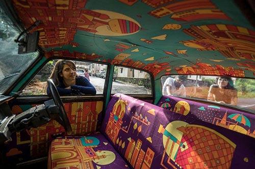 """Chiến dịch """"Taxi Fabric""""nhằm mang nghệ thuật gần gũi với công chúng đồng thời là một điểm nhấn giúp thành phố thu hút khách du lịch."""