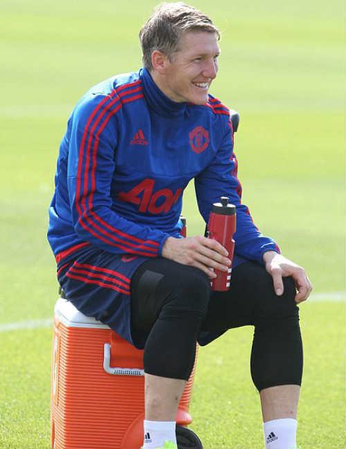 """Trước đại chiến, MU """"méo mặt"""" vì Rooney - 8"""