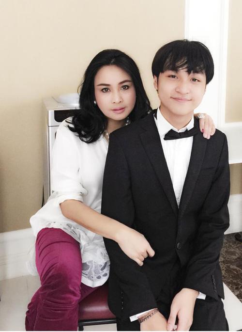 Con trai Diva Thanh Lam giành giải nhất cuộc thi piano quốc tế HN - 1