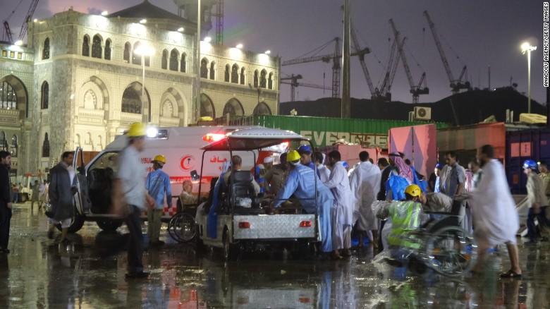Hiện trường sập cần cẩu tại thánh đường Hồi giáo lớn nhất thế giới - 6