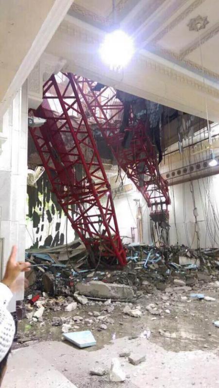 Hiện trường sập cần cẩu tại thánh đường Hồi giáo lớn nhất thế giới - 11