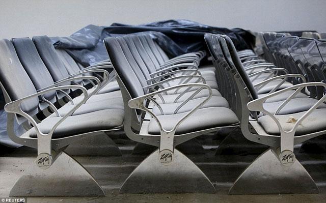 Bên trong những sân bay bỏ hoang đáng sợ nhất thế giới - 12