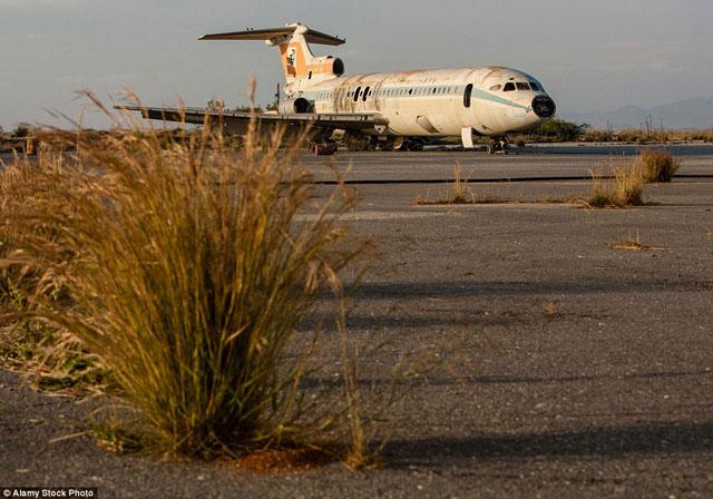 Bên trong những sân bay bỏ hoang đáng sợ nhất thế giới - 2