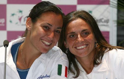 Không ngờ hạ Serena, Vinci đặt vé về nước trước - 2