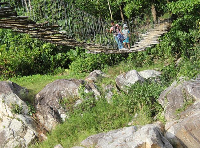 """Cận cảnh """"cầu treo trên mây"""" ở Quảng Ngãi - 1"""