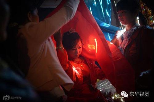 TQ: Cận cảnh đám cưới bi hài của cô dâu nhí 13 tuổi - 2