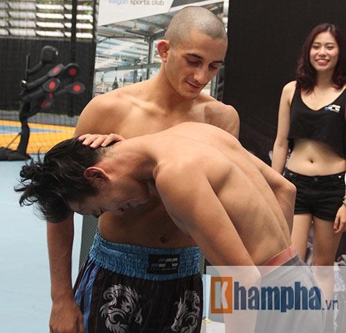 """Võ sĩ """"dọa"""" đối thủ trước giải boxing đỉnh cao ở Việt Nam - 6"""